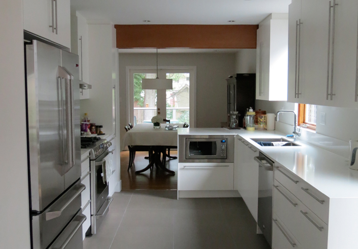 http://www.bamford.ca/wp-content/uploads/2014/03/before-aleksons-kitchen2.jpg