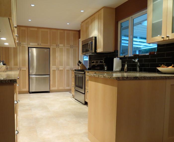 http://www.bamford.ca/wp-content/uploads/2014/03/mh-kitchen-reno5-before.jpg